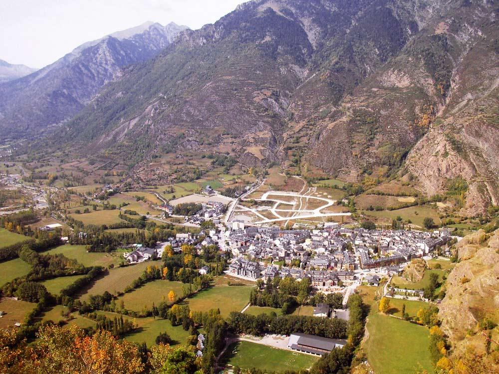 Benasque huesca pyrenees spain rural tourism for Booking benasque