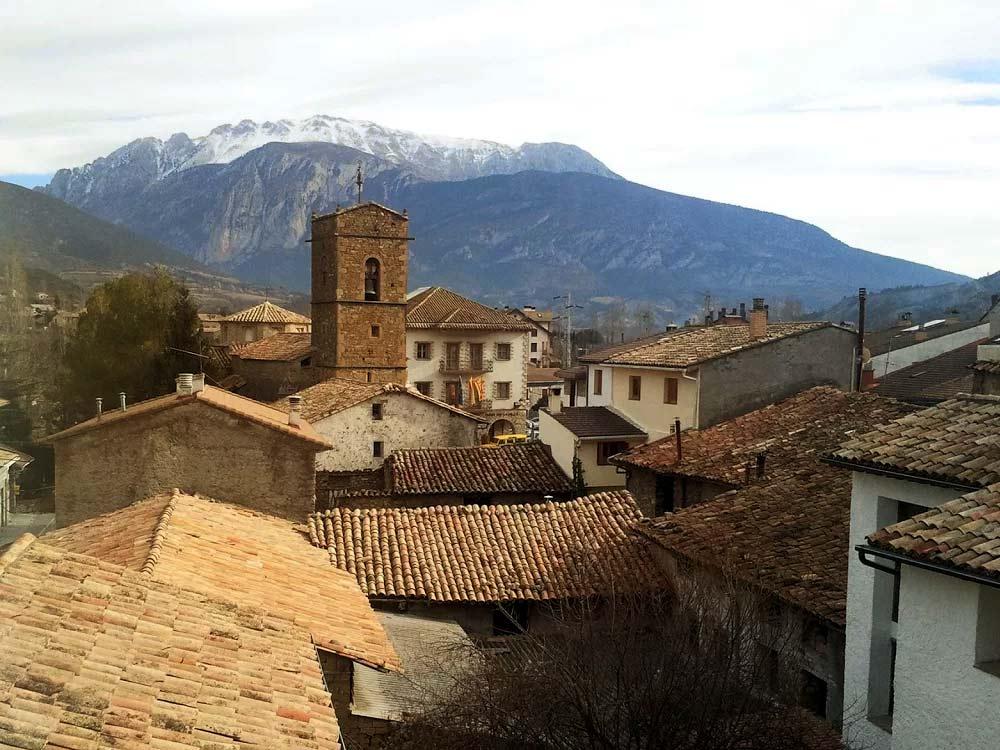 Campo huesca valle benasque pirineo aragon s turismo rural for Oficina de turismo huesca